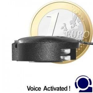 Minisender Abhörgerät im Knopfzellenformat, Voice-Activated. Hohe Sendeleistung (10 mW) für Reichweiten bis zu 1000 mtr. Totale Frequenzstabilität. Sendet nur wenn gesprochen wird. Kristallklare Sprachübertragung.