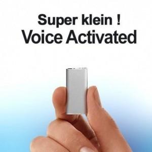 Einer der kleinsten Spionage-Voicerecorder der Welt als Abhörgerät. Klarer Sound durch 3-Core Audioprozessor und HS-Chips. Top-Aufnahmen mit Reduzierung von Umgebungsgeräuschen. Voice-Activated für lückenlose automatische Aufnahmen. Speicherkapazität bis 96 Stunden mit 8GB.
