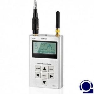 HIGH-END Wanzenfinder mit Spectrum-Analyzer. Professionelle-Messtechnik für die wirksame Suche nach Funk-Abhöreinrichtungen inkl. GSM-Überwachungstechnik sowie Funk-Videoüberwachung. Spectralanalyse im Frequenzspectrum von 15 MHz bis 2,7 GHz für 95% alle funkbasierten Abhörgeräte. Behördenqualität für allerhöchste Sicherheitsanforderungen. Findet tatsächlich sehr effektiv und zuverlässig auch die modernen GSM-Abhörsender und SPY-Handy`s.